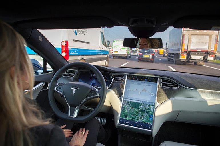 Tesla gives its'fully self-driving capable' vehicles