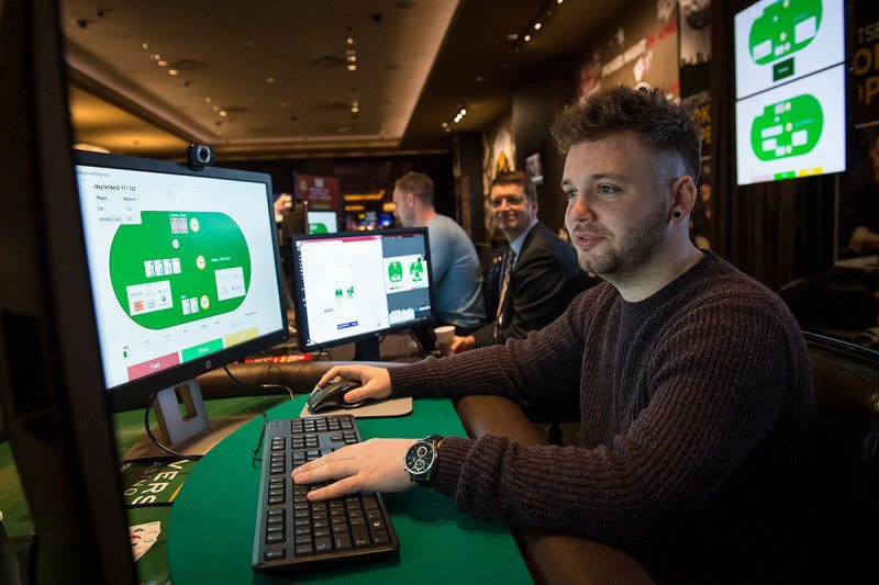 AI Robot learns to beat gaming pros