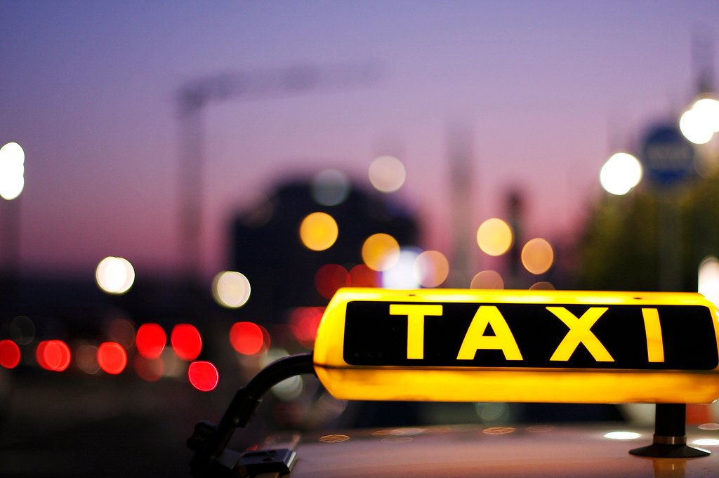 What Should Be Included in the Taxi App Development for Business? 3