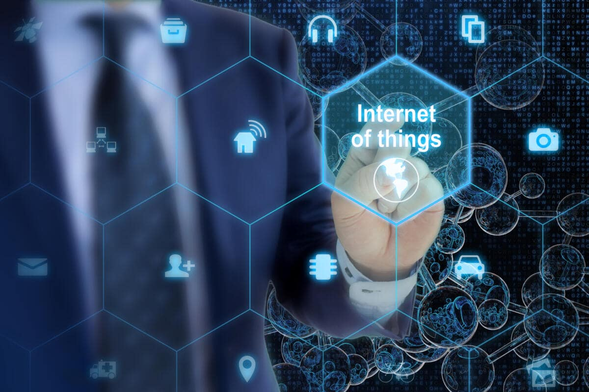 Understanding the Convergence of IoT and data analytics 1