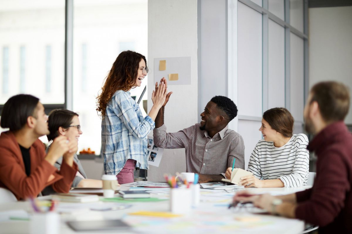 How To Bring Teams Together For Higher Work Efficiency and Output 1